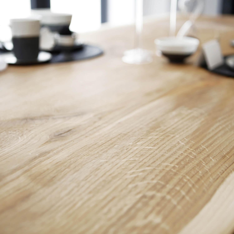 Esstisch Steal Oak –Massive Eiche & Design-Stahlgestell
