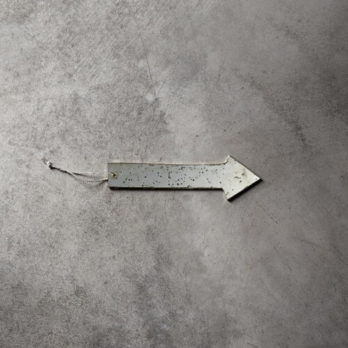 Tine K Home – Antiker Spiegel: Pfeil MIRROW