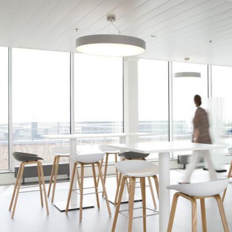 hay stool aas32 barhocker white mit eiche gestell verschiedene farben. Black Bedroom Furniture Sets. Home Design Ideas