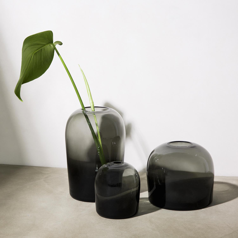 menu vase troll smoke grau s h 10 x 9 cm. Black Bedroom Furniture Sets. Home Design Ideas