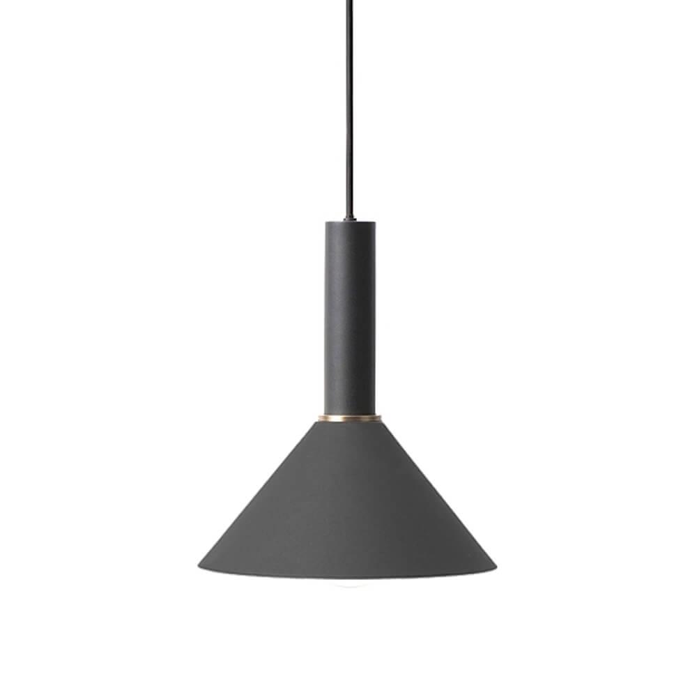 Ferm LIVING – COLLECT Lighting – Pendelleuchte Lang – Cone – Schwarz