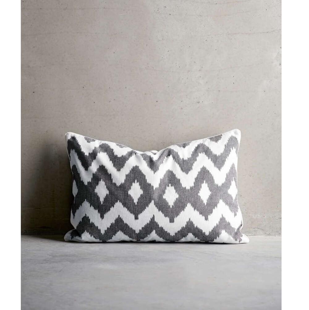 Tine K Home – Kissen Muster Grau-Weiß