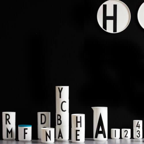 Design Letters – Porzellan-Becher