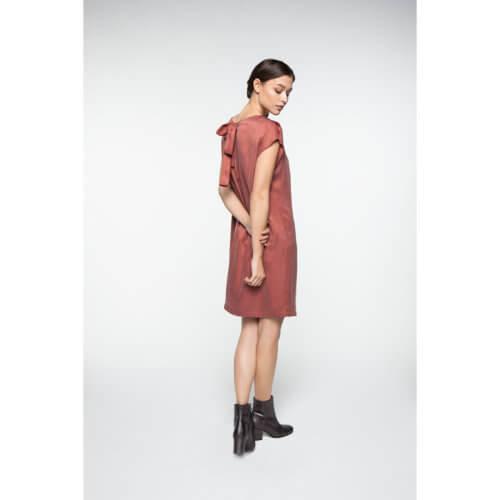 YAYA – Cupro-Kleid mit Schleife – Holzrot