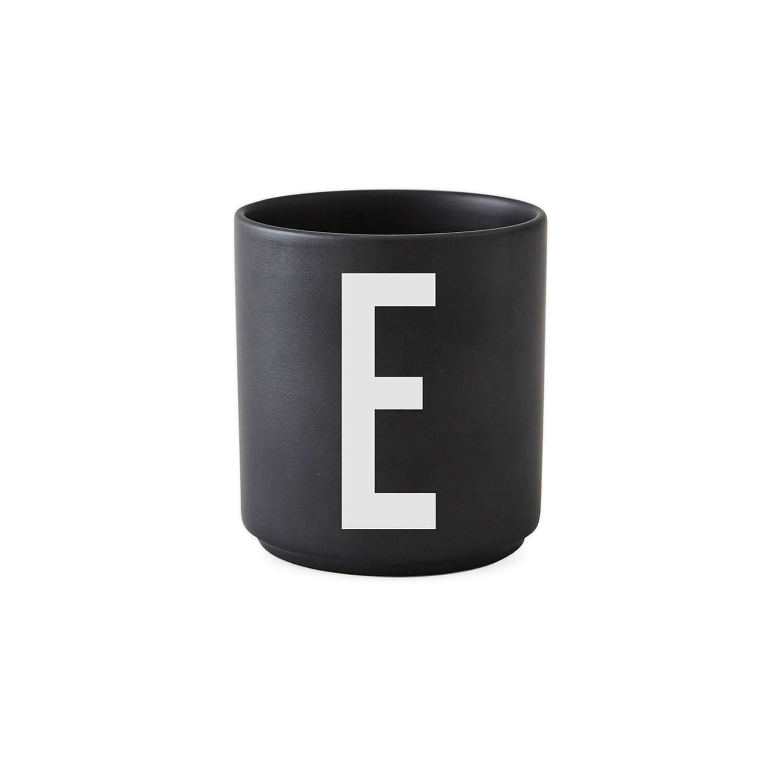 design letters porzellan becher e schwarz ca 8 x. Black Bedroom Furniture Sets. Home Design Ideas