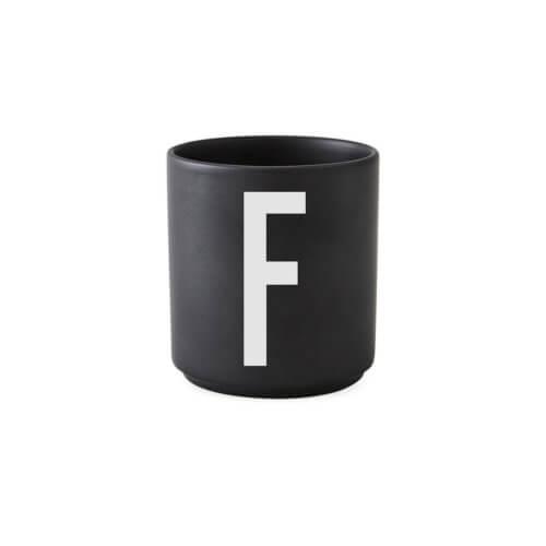 Design Letters – Porzellan-Becher F – Schwarz