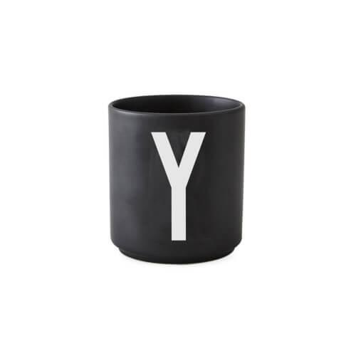 Design Letters – Porzellan-Becher Y – Schwarz