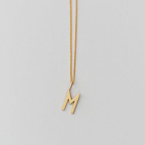 Design Letters – Kette mit Buchstabe M (16 mm)
