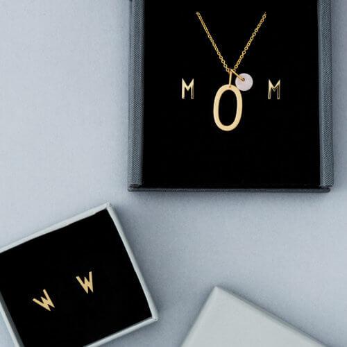 Design Letters Kette mit Buchstaben und Anhänger