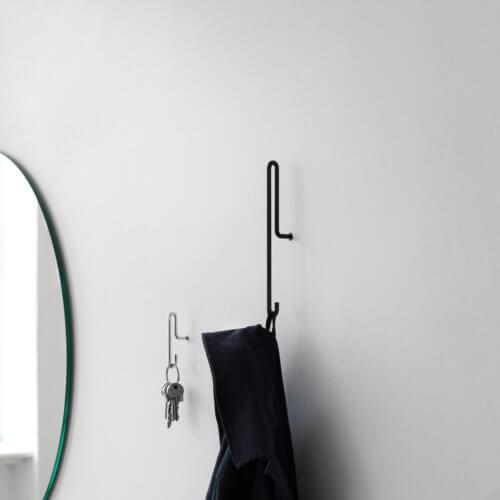 Moebe Wandhaken Schwarz – Small im Set, Haken als Garderobe Detail