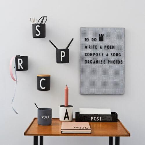 Design Letters Wandhalterung für Becher