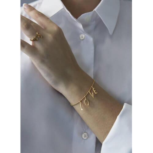 Design Letters L-O-V-E Armband