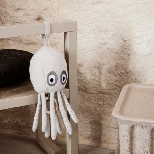ferm Octopus Musikmobile Sand mit Aufhängung