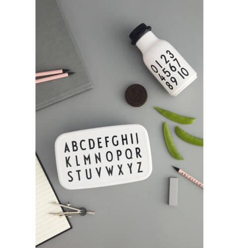 Design Letters Schulstart-Set Weiß, Box und Flasche im Detail