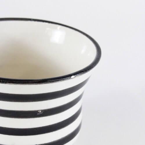 Marokkanische Tasse Streifen Schwarz-Weiß B-Ware, Detail