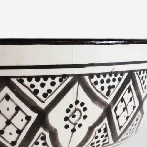Marokkanische Suppenschale Schwarz-Weiß L B-Ware, Detail außen